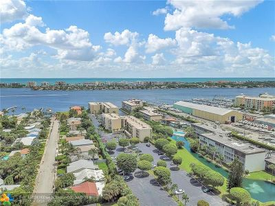 Lantana Condo/Townhouse For Sale: 890 N Federal Hwy #309