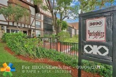 Lauderhill Condo/Townhouse For Sale: 3690 Inverrary Dr #3V