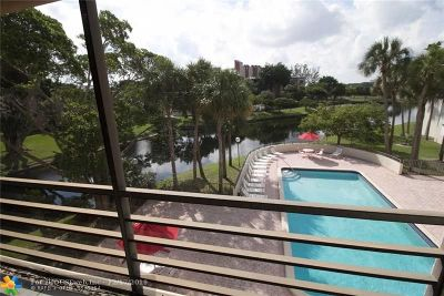 Pompano Beach Condo/Townhouse For Sale: 2304 S Cypress Bend Dr #315