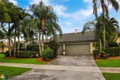 Deerfield Beach Single Family Home For Sale: 2022 Woodlake Circle