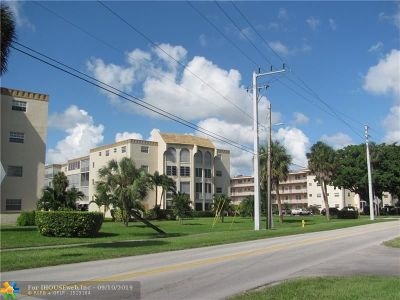 Lauderdale Lakes Condo/Townhouse For Sale: 4211 NW 41st St #301