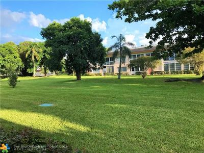 Coconut Creek Condo/Townhouse For Sale: 1203 Bahama Bend #F-1