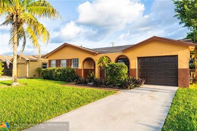 Boca Raton Single Family Home For Sale: 9090 SW 1st Road