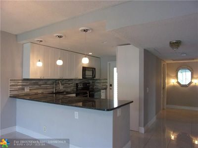 Pompano Beach Condo/Townhouse For Sale: 3000 S Course #310