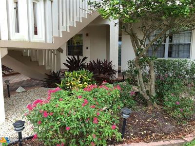 Coconut Creek Condo/Townhouse For Sale: 1601 Abaco Dr #L1