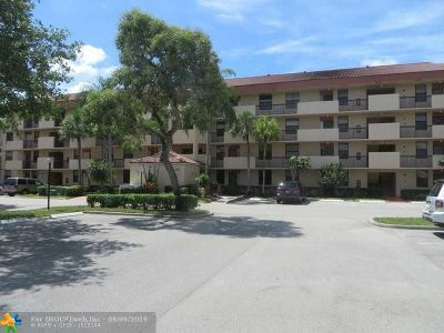 Coconut Creek Condo/Townhouse For Sale: 4133 Carambola Circle S #G203