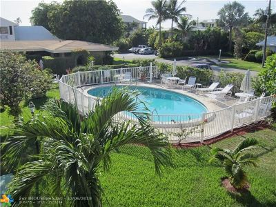 Pompano Beach Condo/Townhouse For Sale: 3208 SE 11th St #202