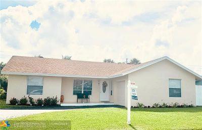 Boca Raton Single Family Home For Sale: 9544 Richmond Cir