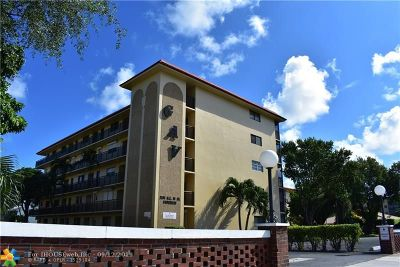 Pompano Beach FL Condo/Townhouse For Sale: $167,000