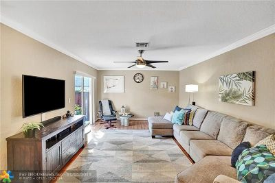 Coral Springs Condo/Townhouse For Sale: 2579 NW 99th Ave