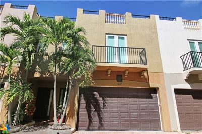 Fort Lauderdale Condo/Townhouse For Sale: 619 NE 11th Ave #619