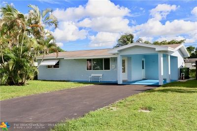 Pembroke Pines Single Family Home For Sale: 7620 NW 16th Ct
