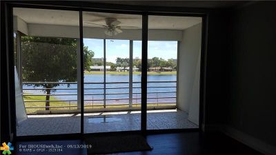Pompano Beach FL Condo/Townhouse For Sale: $244,900