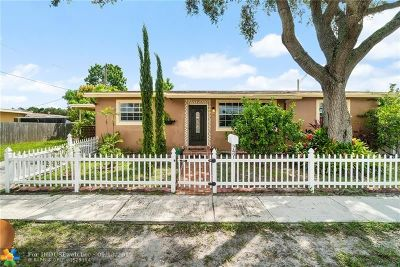 Hollywood Single Family Home For Sale: 7491 Sheridan St