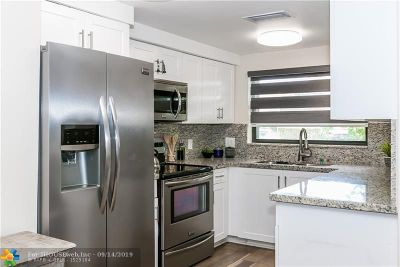 Hollywood Condo/Townhouse For Sale: 2123 N 14th Ave #1
