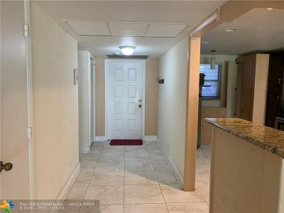 Coral Springs Condo/Townhouse For Sale: 2850 Forest Hills Blvd #116