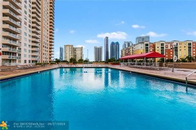 Sunny Isles Beach Condo/Townhouse For Sale: 250 174th St #914
