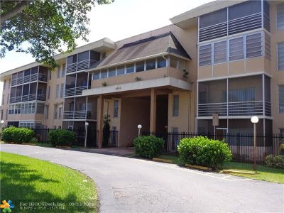 Lauderdale Lakes Condo/Townhouse For Sale: 4848 NW 24th Ct #421