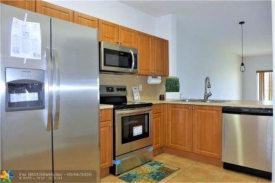 Tamarac Condo/Townhouse For Sale: 5933 Riverside Ave #5933