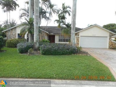Broward County Single Family Home For Sale: 10910 NW 4th St