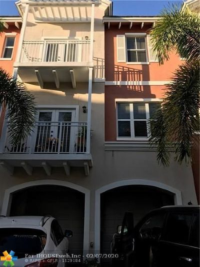 Lighthouse Point Condo/Townhouse For Sale: 2365 Vintage Dr #2365