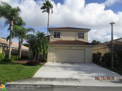 Deerfield Beach Single Family Home For Sale: 4617 NW 7th St