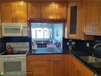 Hallandale Condo/Townhouse For Sale: 329 SE 3 St #402P