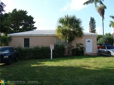 Deerfield Beach Single Family Home For Sale: 1938 NE 5th St