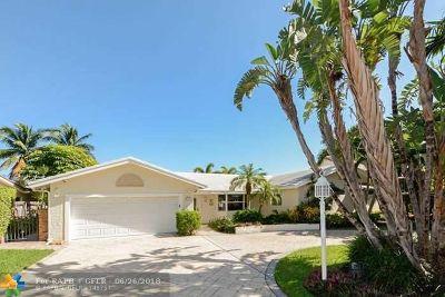 Bermuda Riviera Single Family Home For Sale: 3208 NE 40th St