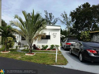 Dania Single Family Home For Sale: 135 Eleuthera Dr #135