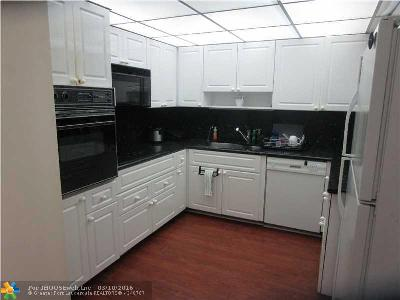 Fort Lauderdale FL Condo/Townhouse Sold: $500,000