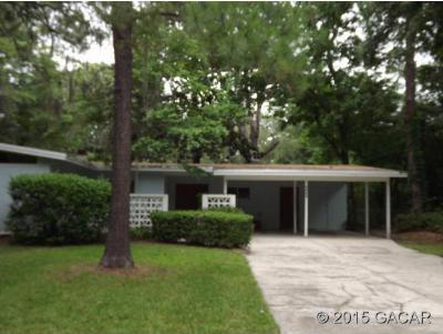 Single Family Home Sold: 3520 NW 33rd Place