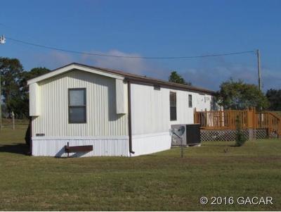 Single Family Home Closed: 2851 NE 118th Terrace