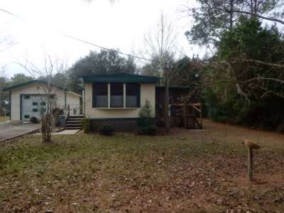 Single Family Home Closed: 15948 NE 1 Street
