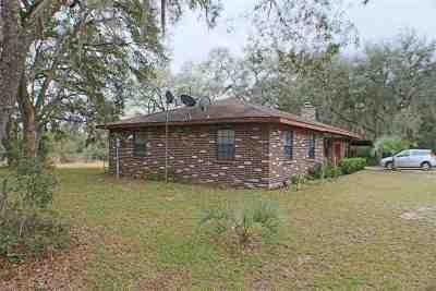 Melrose Single Family Home For Sale: 238 Putnam Loop Rd