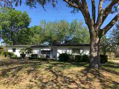 Single Family Home Closed: 660 E Country Club Drive