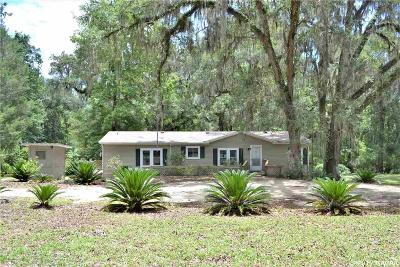 Hawthorne FL Single Family Home For Sale: $105,000
