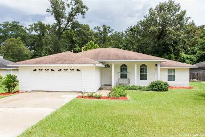 Newberry Single Family Home For Sale: 23656 NW 3rd Avenue