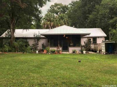 Newberry Single Family Home For Sale: 405 SW 226TH Street