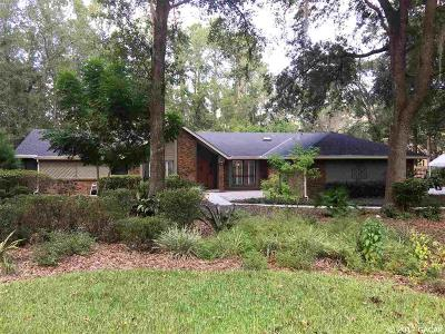 Gainesville Single Family Home For Sale: 32 NW 101st Court