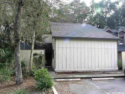 Gainesville Condo/Townhouse For Sale: 313 SW 54TH Drive