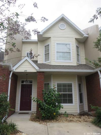 Gainesville Condo/Townhouse For Sale: 2717 NW 103RD Way
