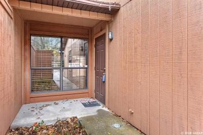 Gainesville Condo/Townhouse For Sale: 820 SW 57 Terrace