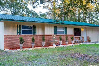 Gainesville Single Family Home For Sale: 3911 NW 19th Terrace
