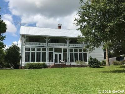 Melrose Single Family Home For Sale: 6212 Quail Street