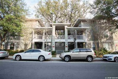 Gainesville Condo/Townhouse For Sale: 621 SW 10th Street #211