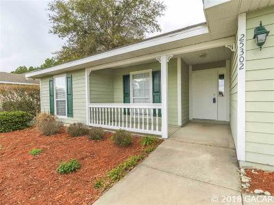 Newberry Single Family Home For Sale: 25302 NW 10TH Avenue