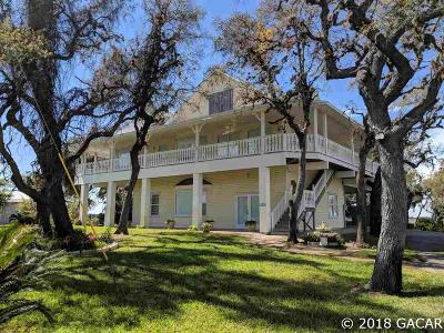Cedar Key Single Family Home For Sale: 11330 SW State Road 24