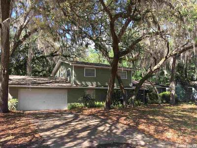 Gainesville Single Family Home For Sale: 3942 SW 6th Place