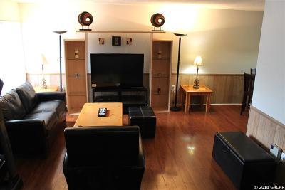 Gainesville Condo/Townhouse For Sale: 2811 SW ARCHER #E36